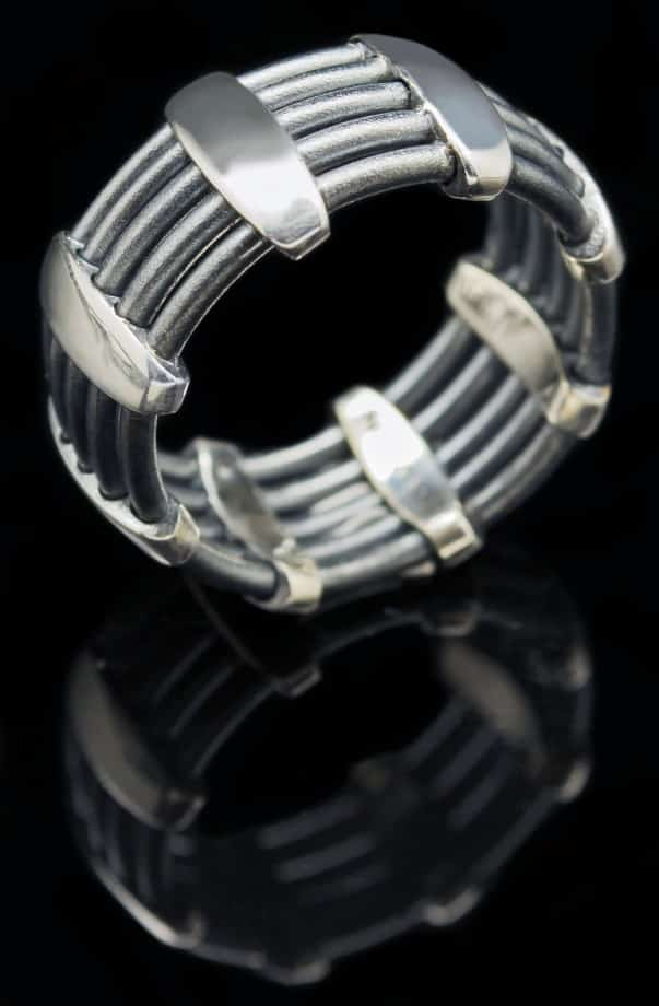 Sterling Silver ring (Wire)(R279)